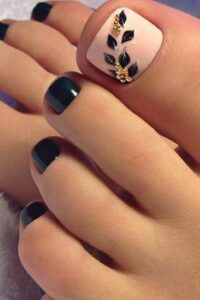 flower toe nail art