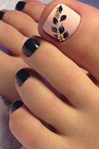 flower toe nail art