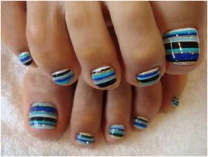 toe nail art stripes