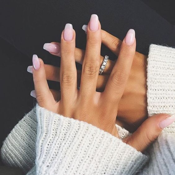 10 Chic Nail-Art Ideas (For Short Nails)