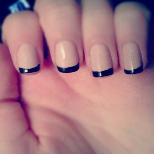 50 Modern French Manicure Design-Ideas (To Stand Out From