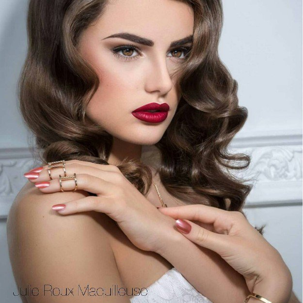 Classic Red Lips | Homecoming Dance Makeup Ideas Guaranteed To Win You The Crown