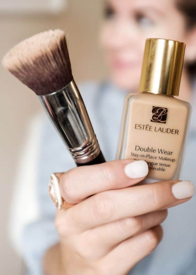 Foundation for Oily Skin | Proper Way to Apply Foundation for Oily Skin