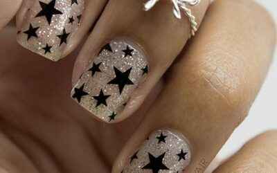 17 Stunning Easy Star Nail-Designs to Copy