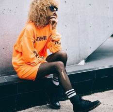 55 Orange Outfit Ideas That Make You Look Young and Fresh 33