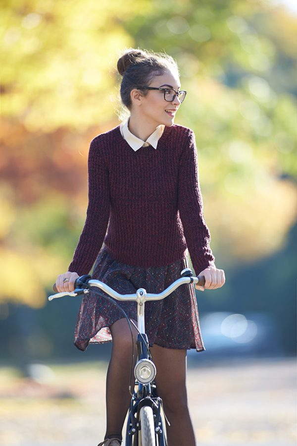 19 Preppy + Pretty Fall Outfits to Copy