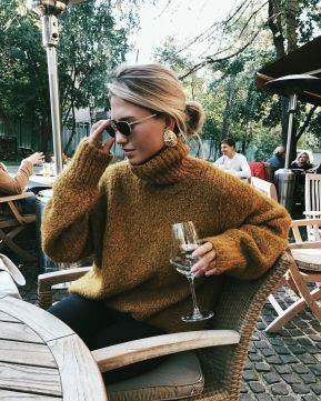 Fashionable oversized sweater for winter outfit 20