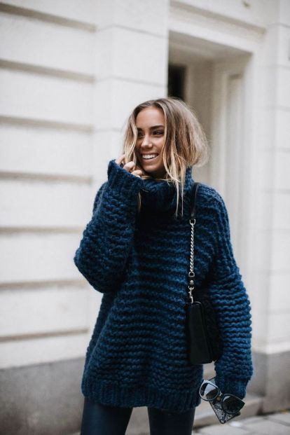 Fashionable oversized sweater for winter outfit 39