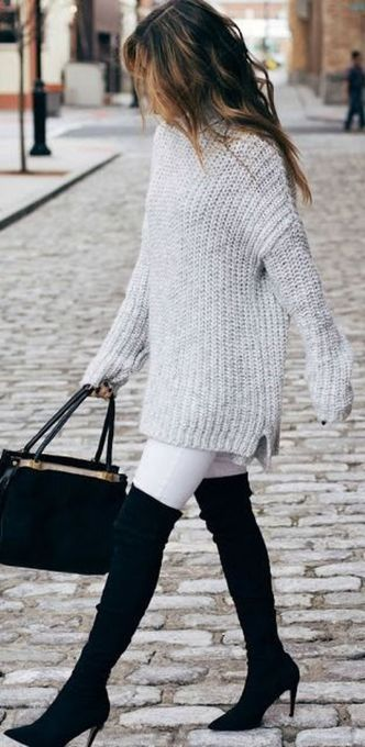 Fashionable oversized sweater for winter outfit 53